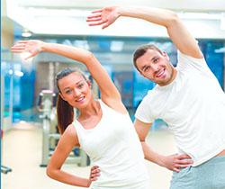 Imagen de dos persona haciendo ejercicio