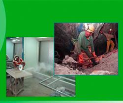 Imagen de un minero extrayendo sílice y otro trabajador cortando una pieza de cuarzo